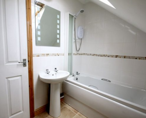 Bathroom 6 bed student house Bristol