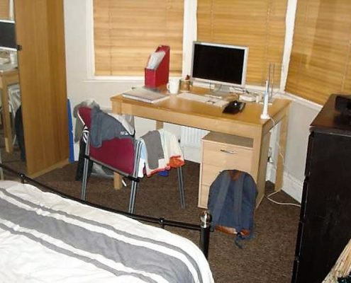 Bedroom 4 bed student property Redland