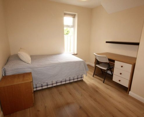 Bedroom 5 double bed newly refurbished student house Filton