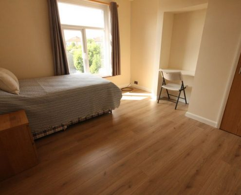 Beddroom 5 double bed newly refurbished student house Filton