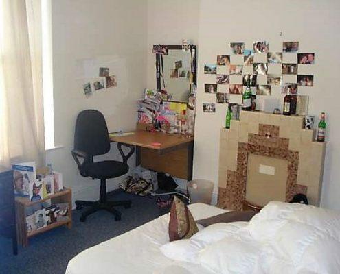 Bedroom 6 bed student house Redland