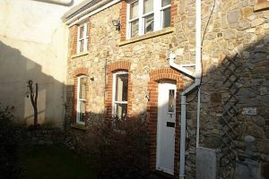 Front 4 bed student house Clifton