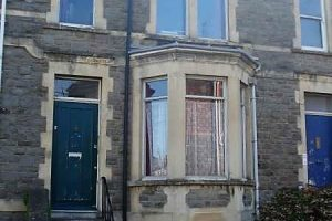 Front 6 bed student house Redland