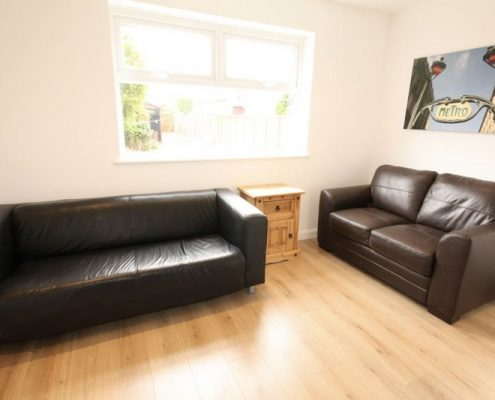 Lounge 5 double bed newly refurbished student house Filton