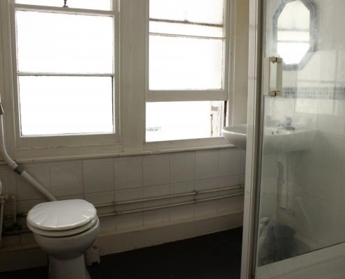 Bathroom 8 Bed House Redland