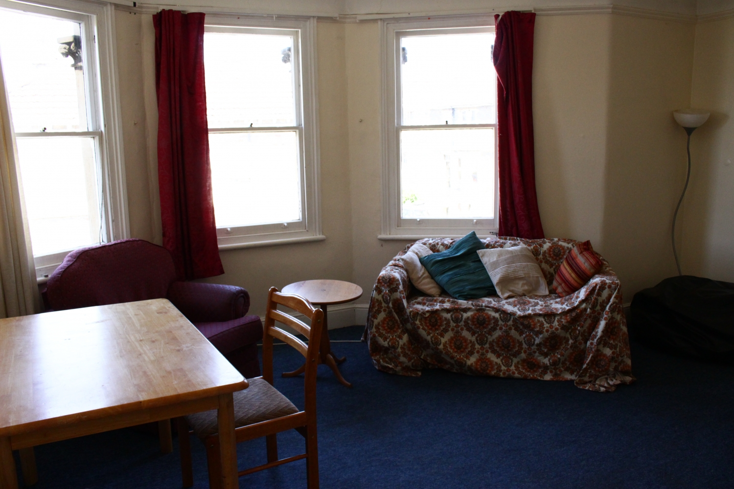 Lounge 5 Bed House Clifton