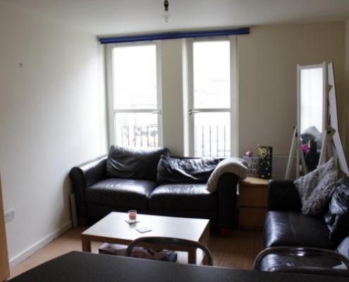 4 double bedroom flat lounge