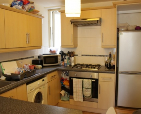 4 double bedroom flat kitchen